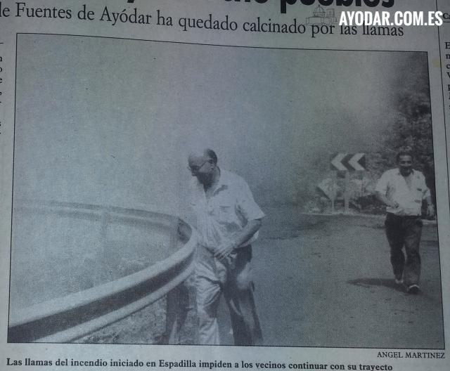 El humo y las llamas en la población de Espadilla. 6 de Julio 1994